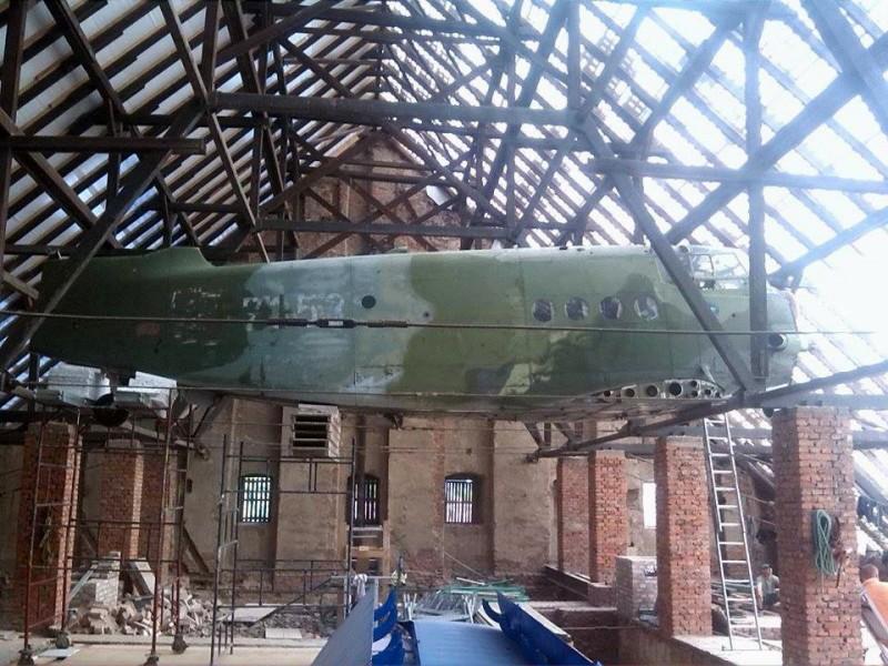 Renesansowy dwór z… ogromną maszyną latającą na strychu