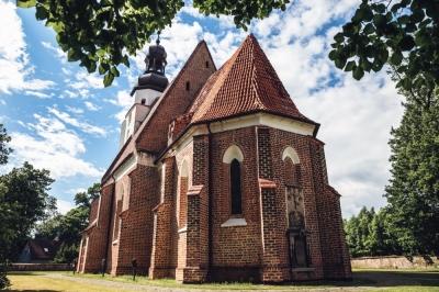 Gotycki kościół w Małkowicach [FOTOSPACER]