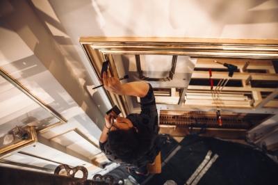 Rekonstruowany prospekt organowy nabiera blasku [FOTOREPORTAŻ]